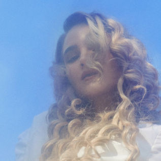Becky and the Birds announces Trasslig EP