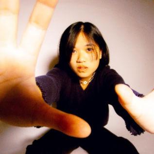 Hana Vu shares new single 'Maker'